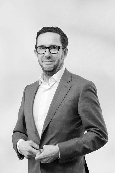Julien - CHARNAY-ROUSSET - Ydès - Droit des affaires