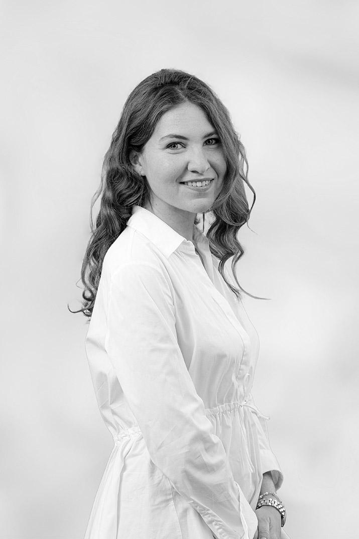 Stéphanie - Komsta - Ydès - Droit des affaires
